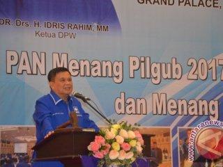 Ketua DPW PAN Gorontalo, Idris Rahim, saat memberikan sambutan pada pembukaan rapat paripurna PAN Gorontalo.
