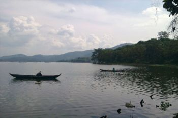 Seratusan petani datangi kantor UPTD perikanan