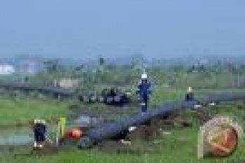 Pipa minyak Pertamina terbakar di Cimahi