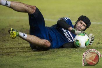 Ladeni Chelsea, Emery masih percaya pada Cech