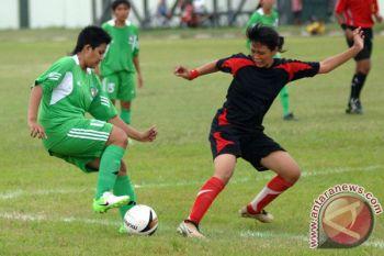 Putri Surakarta vs Jakarta 69 di laga perdana Bengawan Cup 2017
