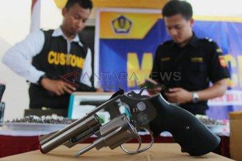 Komunitas dukung kepolisian tindak pengedar senjata replika ilegal