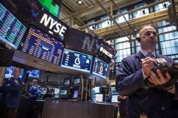 Wall Street turun di tengah laporan laba dan data ekonomi