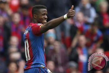 Crystal Palace tinggalkan zona degradasi usai kalahkan Watford 2-1