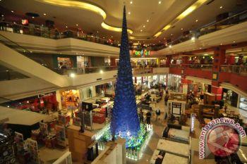 Pohon Natal hiasi mal di Bandarlampung