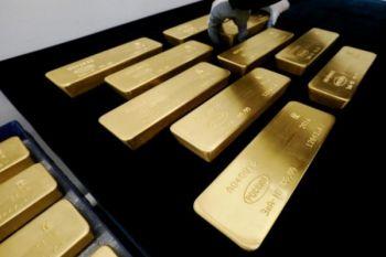 Harga emas berjangka catat kenaikan mingguan tiga persen