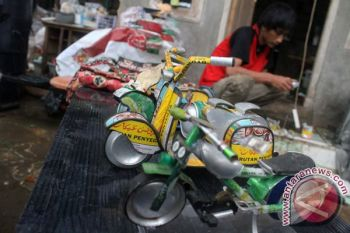 Pemkab serahkan kendaraan bagi pengelola bank sampah