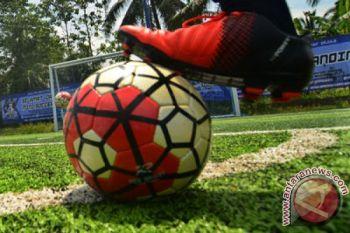 500 pelajar SD ikuti pelatihan sepak bola berstandar internasional