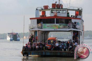 Kapal Feri Mamuju-Balikpapan gagal berlayar akibat kerusakan mesin