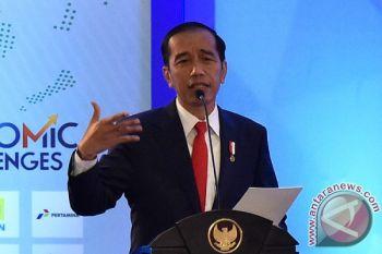 Presiden Jokowi buat Paspampres merasa salah kostum