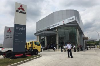 Mitsubishi resmikan diler Fuso di Bojonegoro