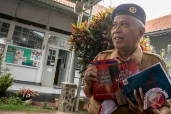 """OC Kaligis luncurkan buku """"KPK Bukan Malaikat"""" di penjara Sukamiskin"""
