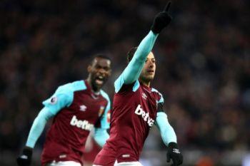 Chicharito selamatkan West Ham dari kekalahan