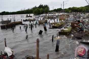 Foto Kemarin: Bencana Abrasi Semarang