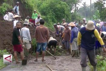 Banjir dan longsor landa sejumlah desa di Temanggung