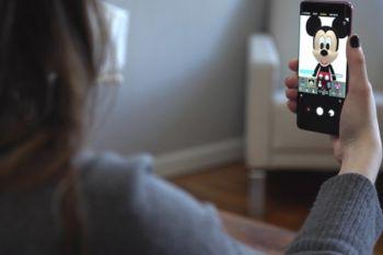 Mickey Mouse AR Emoji hadir di Samsung Galaxy S9