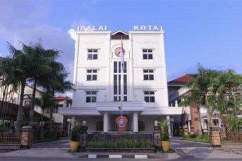 Pemkot Ambon siapkan tarif parkir baru mobil