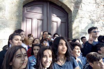 Anak-anak Turki meneriakkan nama Anies