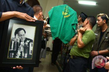 Aktor senior Deddy Sutomo wafat