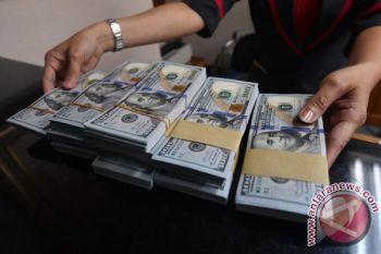 Dolar AS melemah tertekan meningkatnya ketegangan perdagangan