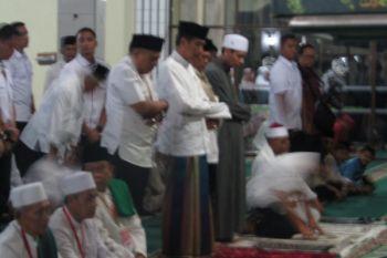 Presiden shalat Tarawih di Masjid Al-Istiqomah Kuningan