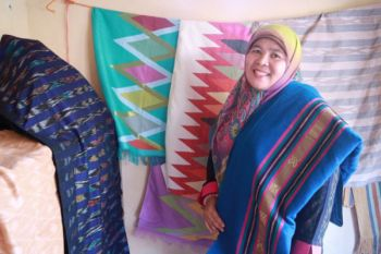Motif tenun gedogan Lombok Timur disertifikasi hak cipta
