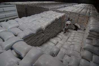 Bekasi cadangkan 5 ton beras jelang Idul Fitri