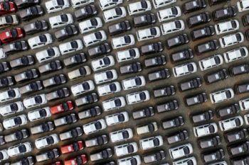 China akan tahan laju pertumbuhan kendaraan listrik