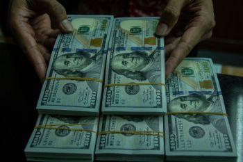 Dolar AS di Tokyo diperdagangkan di paruh atas 112 Yen