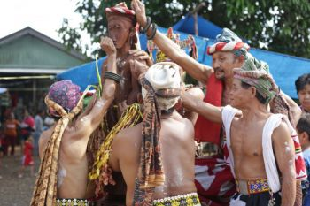 Ritual Adat Belian Bawo