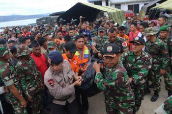 Evakuasi korban KM Sinar Bangun