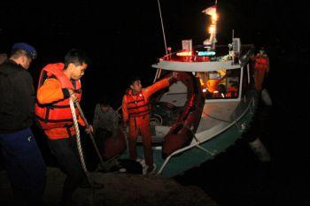 Pencarian Korban Kapal Tenggelam Di Danau Toba