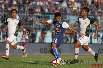 Arema bermain imbang 2-2 saat meladeni PS Tira