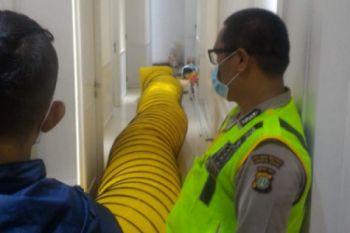 Damkar Jakarta Utara evakuasi korban keracunan gas