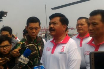"""Panglima TNI """"Joy Sailing"""" dengan media massa"""