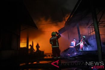 Olahraga bersama, cara anggota pemadam kebakaran jaga kebugaran