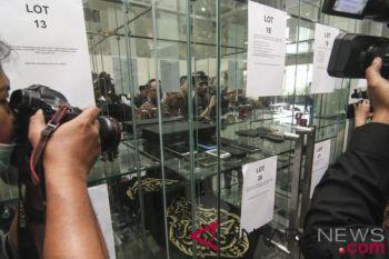 Lelang barang rampasan KPK