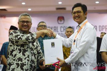 PKS Daftarkan Calon Legislatif