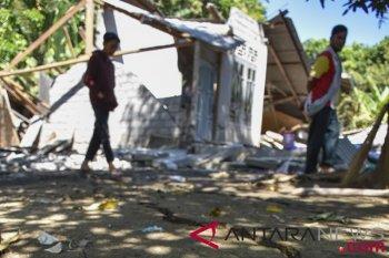 Kapal kemanusiaan berlabuh di Lombok