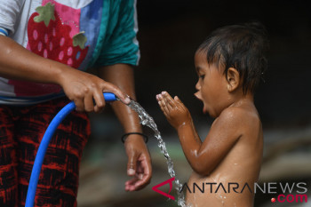 Pengungsi diserang diare akibat minum air sungai