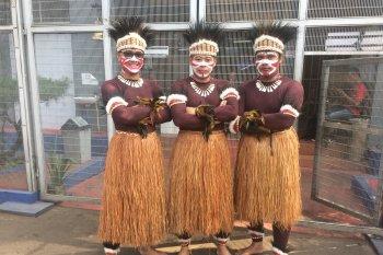 Pegawai Lapas Cipinang kenakan pakaian tradisional rayakan HUT RI