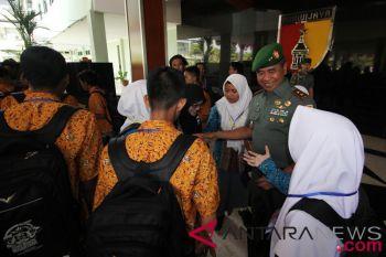 BUMN Hadir - SMN Kunjungi Markas TNI