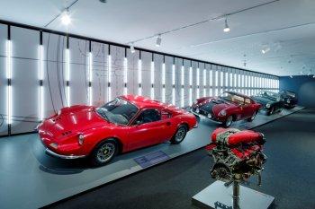 Ferrari siapkan 15 mobil baru termasuk hibrida dan SUV