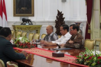 Jokowi terima PB IDI di Istana Merdeka