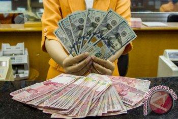 Kurs rupiah awal pekan menguat seiring suntikan dana oleh PBoC