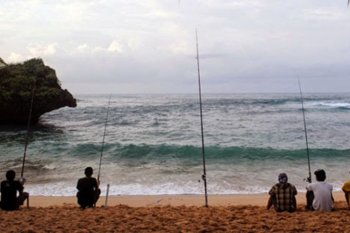 Tiga pemancing ikan hilang di Pulau Dendun