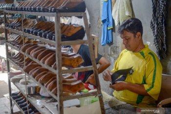 Kontribusi industri tekstil dan alas kaki capai 10 persen dari  ekspor