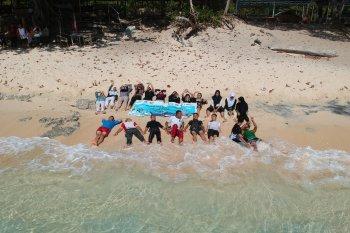 Peserta SMN Berwisata Laut di Sulut