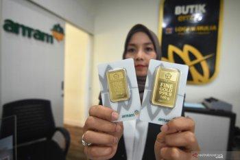 Harga emas Antam kembali turun  Rp1.000