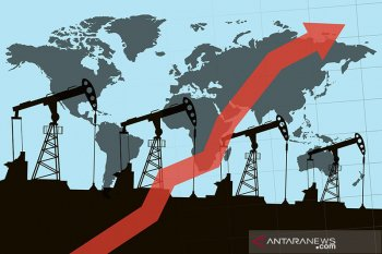 Minyak naik didukung harapan pengurangan pasokan OPEC serta pelemahan dolar